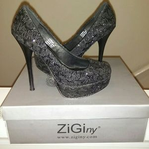 Black Textile Upper Pumps