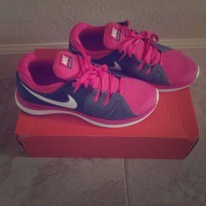 Nike Shoes - Nike lunarflash+👟 🙅🏽no trades🙅🏽