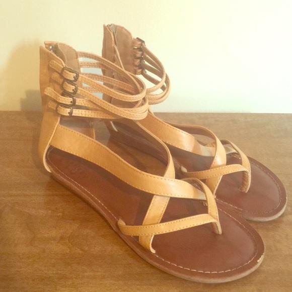 3bf573401937 Cute tan gladiator sandals. M 5596f833cadd6a0466004eef