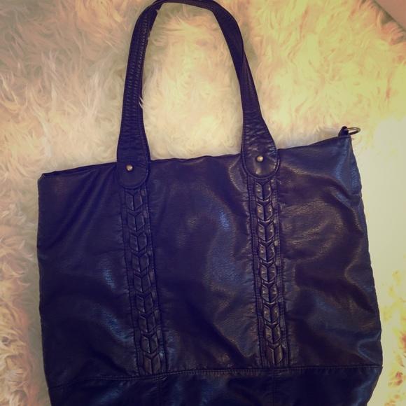 7c8284a24a9d Converse Handbags - Converse For Target Bag