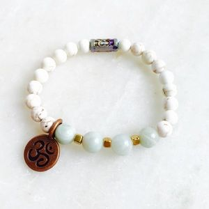 Jewelry - White Aquamarine gemstone mala bracelet