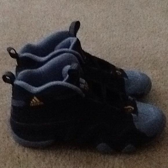 san francisco b9973 77e27 Adidas Shoes - Adidas Crazy 8 Memphis Grizzlies