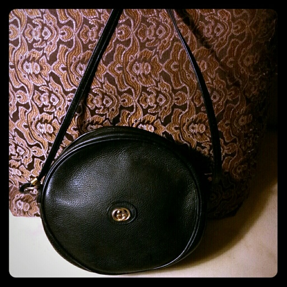 3c7495cea80b17 Gucci Handbags - (SOLD) Gucci Authentic Round Black Canteen Purse