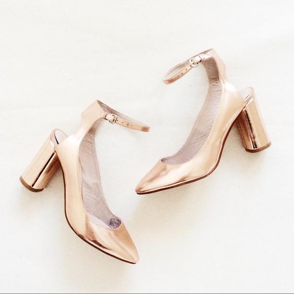 1082ce9c8a4 Zara Ankle Strap Heels - Rose Gold. M 559747cb4837e37e4c006a75