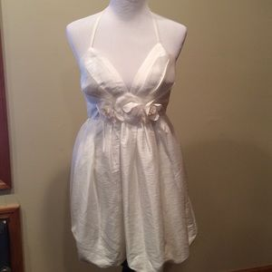Forever 21 ivory taffeta balloon hem mini dress