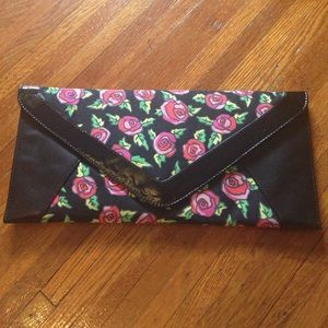 Betsey Johnson Bags - Final price drop: Never used Betsey Johnson clutch