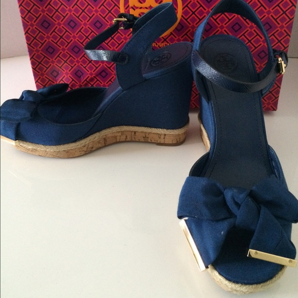 d9e2a3d46ba NWT Tory Burch Penny 120MM Wedge Sandal - Navy