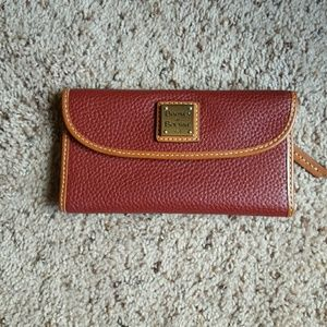 Dooney & Bourke wallet/clutch