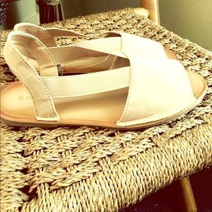 Nice taupe flat sandals