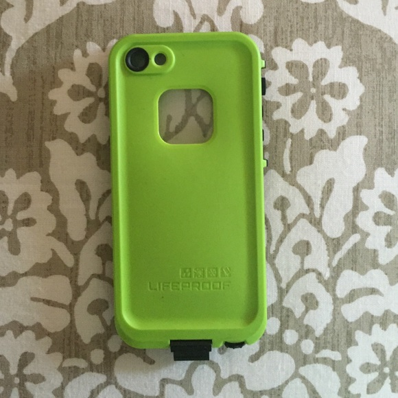 competitive price 18d33 b63d8 Lime Green and Black iPhone 5/5s Lifeproof Case