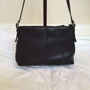 Liz Claiborne Bags - Simple black purse 08960375bc5e