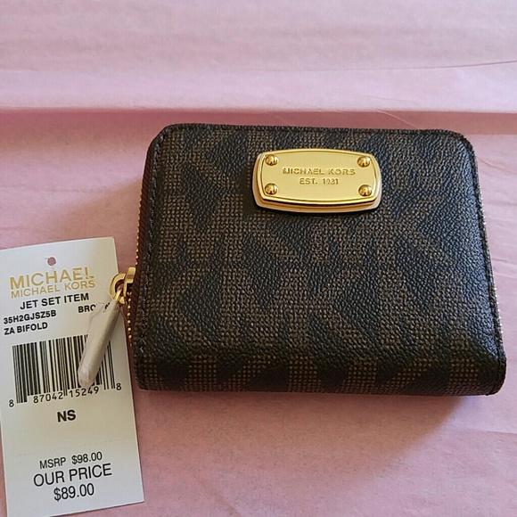 a38c93fb443ac Michael Kors Bifold Wallet