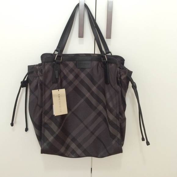 Auth Burberry large nylon tote with leather straps db0f9c294ad88