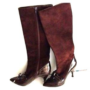 Marc Jacobs Shoes - 🎉HP 2-23-16🎉Marc Jacobs brown suede patent boots