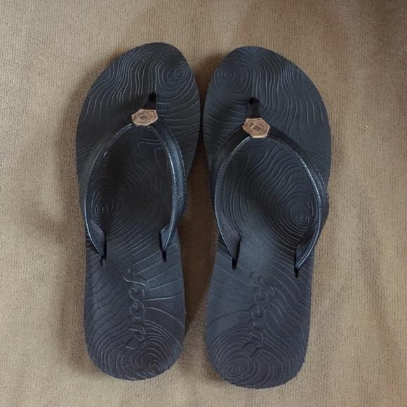 6e3e9709e5050 Reef Zen Love Flip Flops. M 5599288f936153364100c62e
