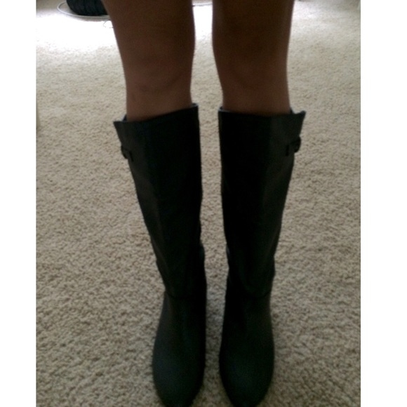 below the knee boots