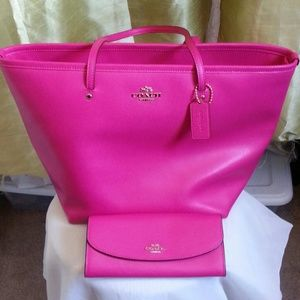 Coach Handbags - Brand New coach tote bag and wallet