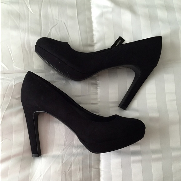 bc52076922 New Look Shoes | Wide Fit Black Suede Heels | Poshmark