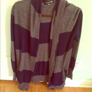Size Medium Forever 21 sweater!