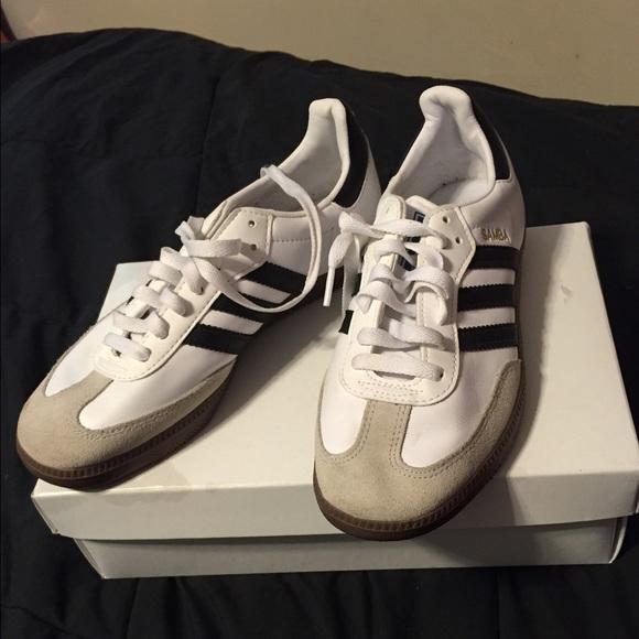 Le adidas samba poshmark scarpe femminili