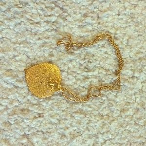 Jewelry - Gold leaf choker necklace
