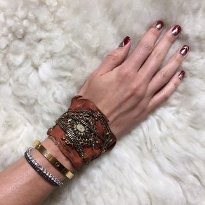 Jewelry - 🎉HP🎉Vintage Inspired Leather Cuff W Chain Detail
