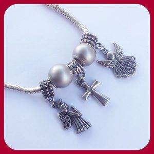 Jewelry - 5 Pcs Charms