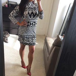 Dresses & Skirts - Black & white Aztec print long sleeve dress