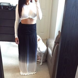 Tops - White knotted crop top