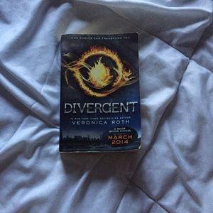 ♡ Divergent ♡