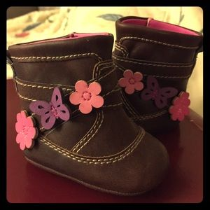 Other - 👣 Baby Boots! Brown with flowers and butterflies!