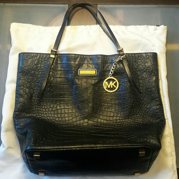Reduced Michael Kors Gia Totes - Listing Michael Kors Black Gia Large Slouchy Tote Bag 559b3d37bf441c55ca0172f1