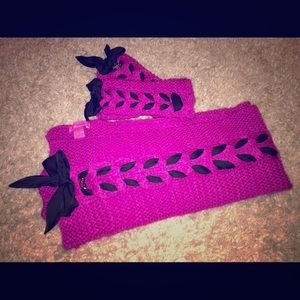 Betsey Johnson Scarf & Gloves