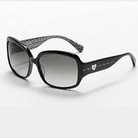 a85ae7077176 Coach Accessories | Black Scarlet Sunglasses | Poshmark