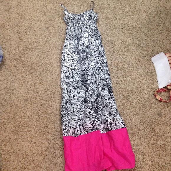 Aeropostale Dresses & Skirts - NWT floral maxi dress
