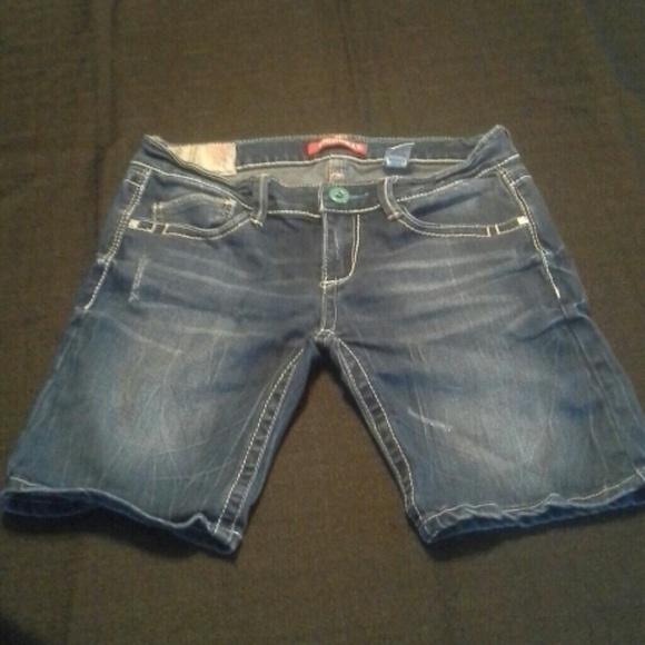 20% off Unionbay Denim - Cute Blue jean shorts. from Angela's ...