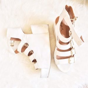 Qupid Shoes - All white flatform sandals