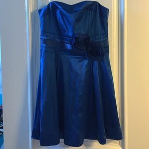 Wishes Wishes Wishes Dresses & Skirts - NEW Short Strapless Blue Dress