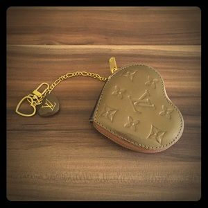 Louis vuitton coin purse / key holder