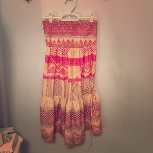 Pink tribal-patterned strapless smock dress