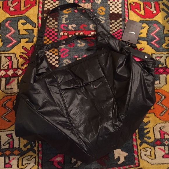 b4a1a74d1ae3 NEW Nike Victory Gym Duffle Bag Black Pink