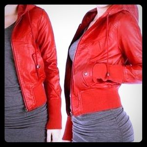 Faux leather red crop jacket with hood S