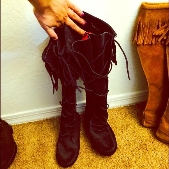502ad36f9f76 Minnetonka Front Lace Knee High Boot-Black. M 559c99ad54f0a87f1001e437