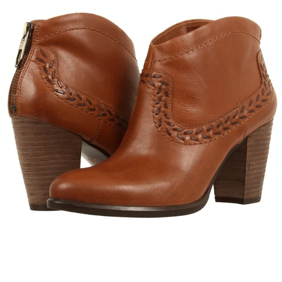 UGG Boots Charlotte leather