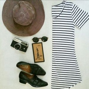SALE 🌵🌵Zooey' Striped T Shirt Mini