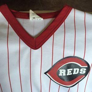 Tops - Cincinnati Reds Pinstripe baseball tee