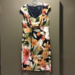 Connected apparel Dresses & Skirts - Knee length floral dress