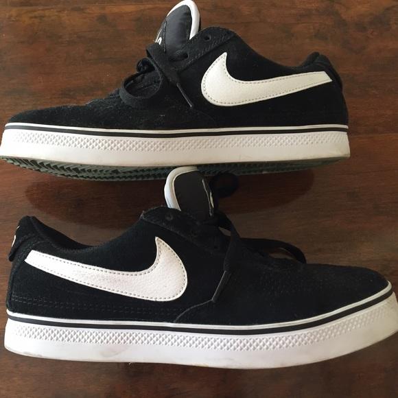 le scarpe nike velluto nero degli anni sessanta con asterisco poshmark bianco