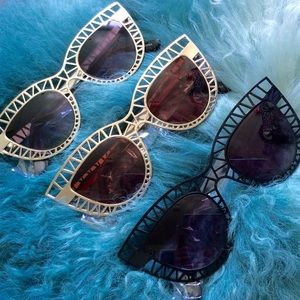 Quay Accessories - Steel cat sunglasses