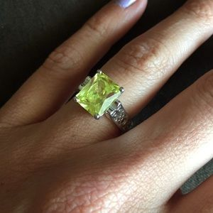 Lia Sophia Appletini ring